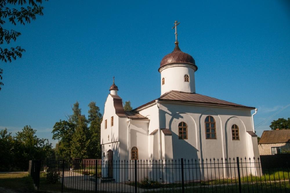 Храм святых равноапостольных царя Константина и матери его царицы Елены