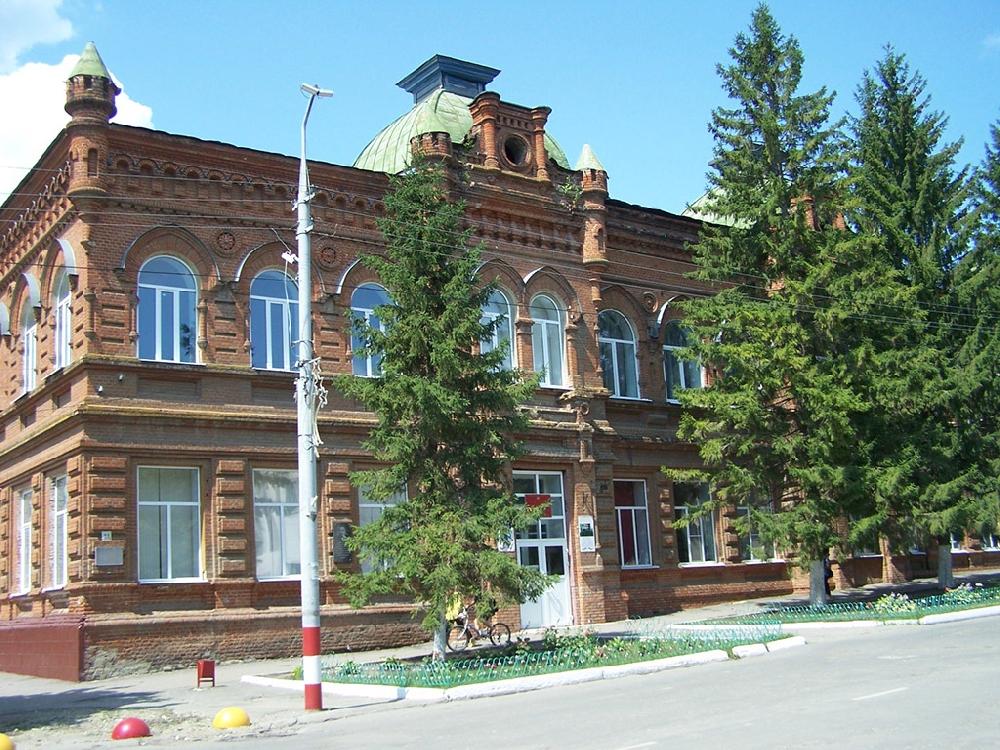 Здание бывшей женская гимназия и начального училища