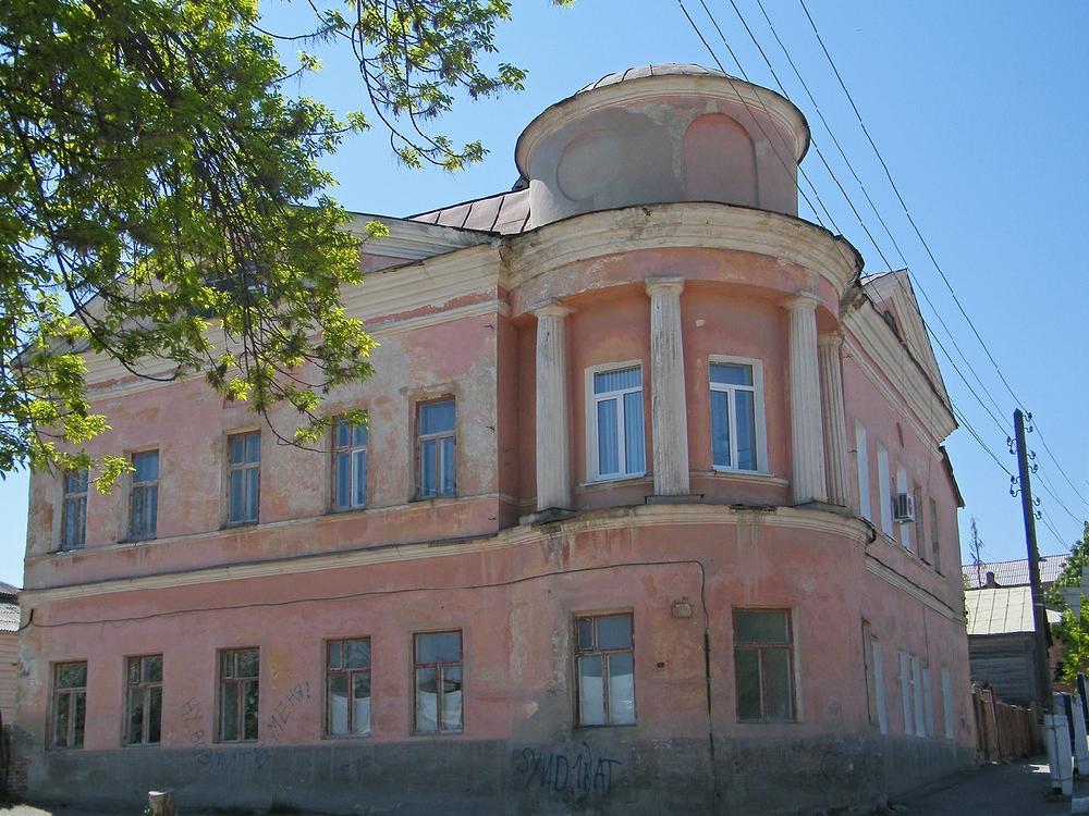 Дом Брюханова
