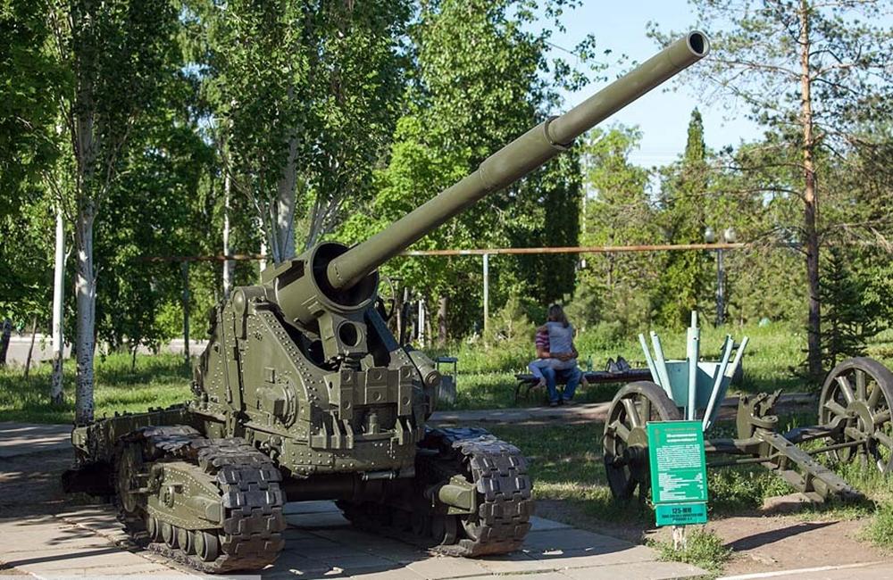 Экспозиция минометов и артиллерии
