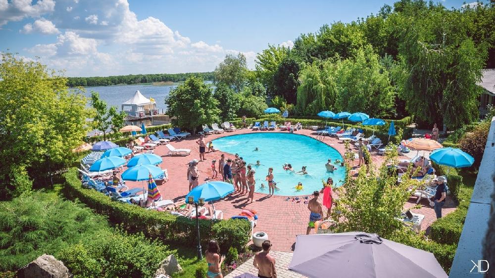 Открытые летние бассейны Саратова и области