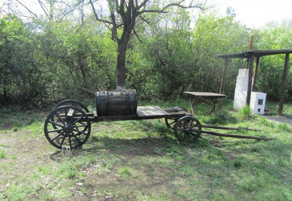 Полевая печь и водовозка