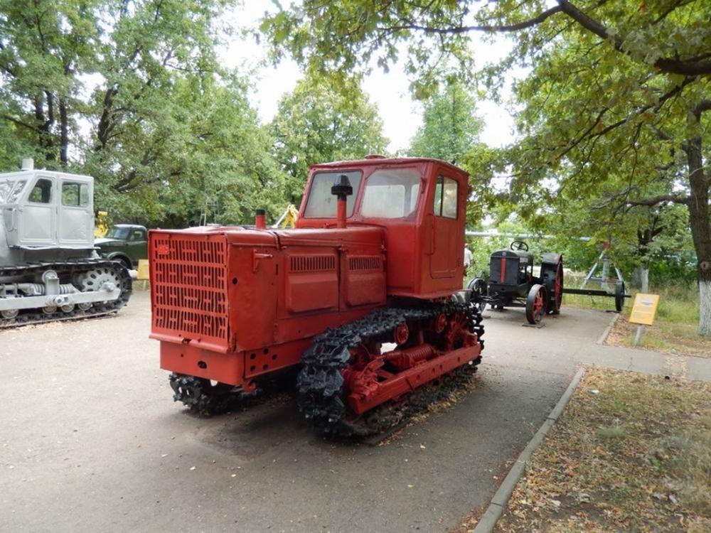 Трактор Т-4