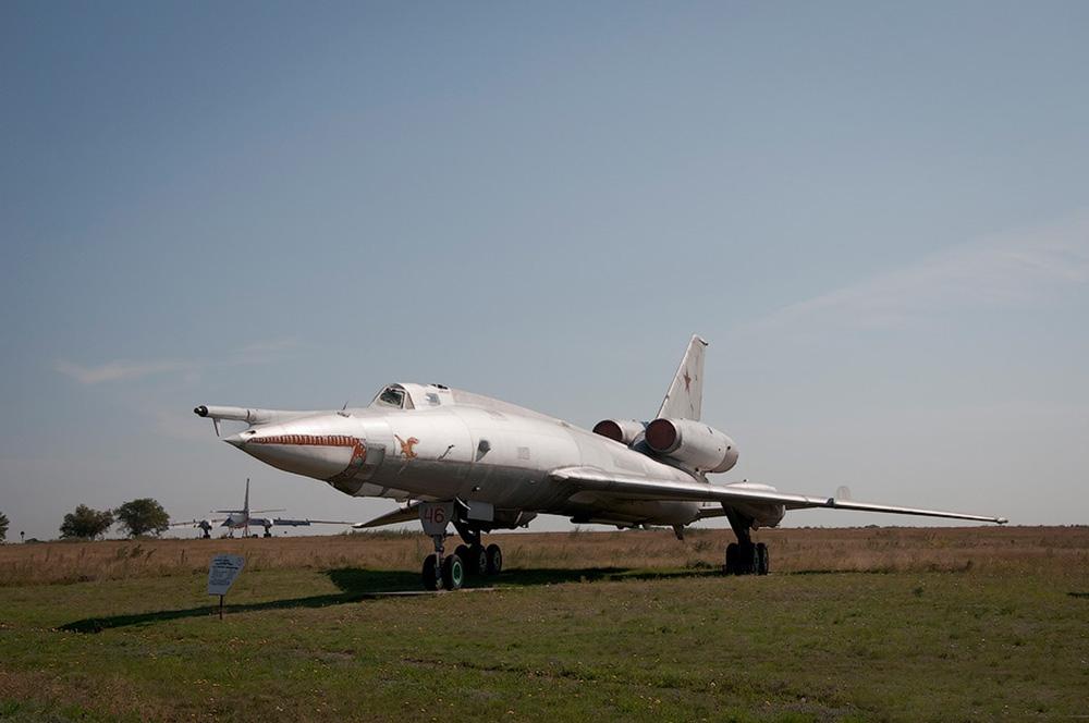 Самолет-постановщик помех Ту-22ПД