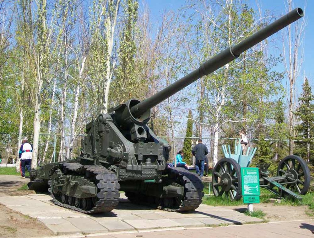 125-мм танковая пушка на лафете гаубицы Б-4