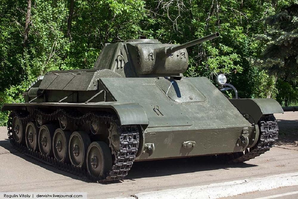 Легкий танк Т-70. Макет