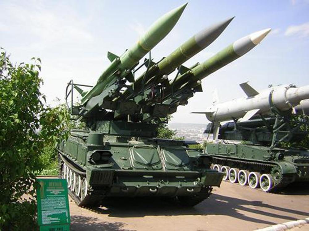 Пусковая установка 2П25 самоходного зенитного ракетного комплекса 2К12 «Куб»