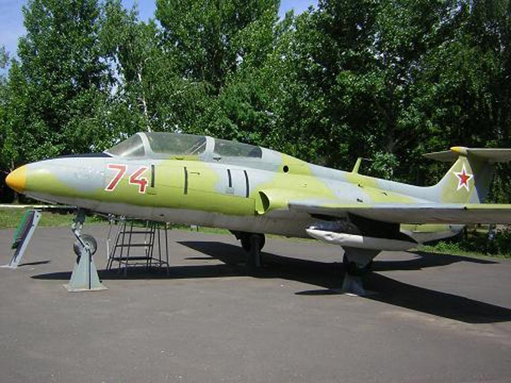 Учебно-тренировочный самолет Л-29 «Дельфин»