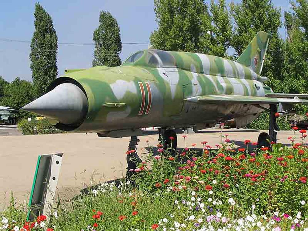 Фронтовой истребитель МиГ-21