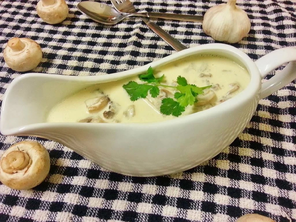 Луково-грибной соус