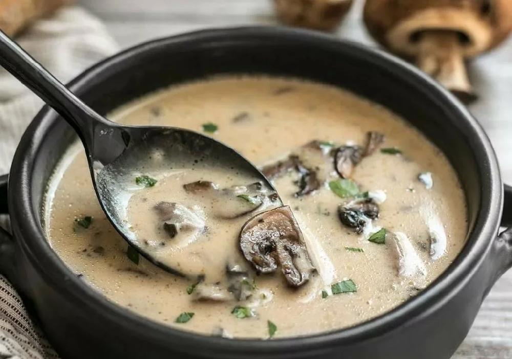 Чесночно-грибной суп в казане