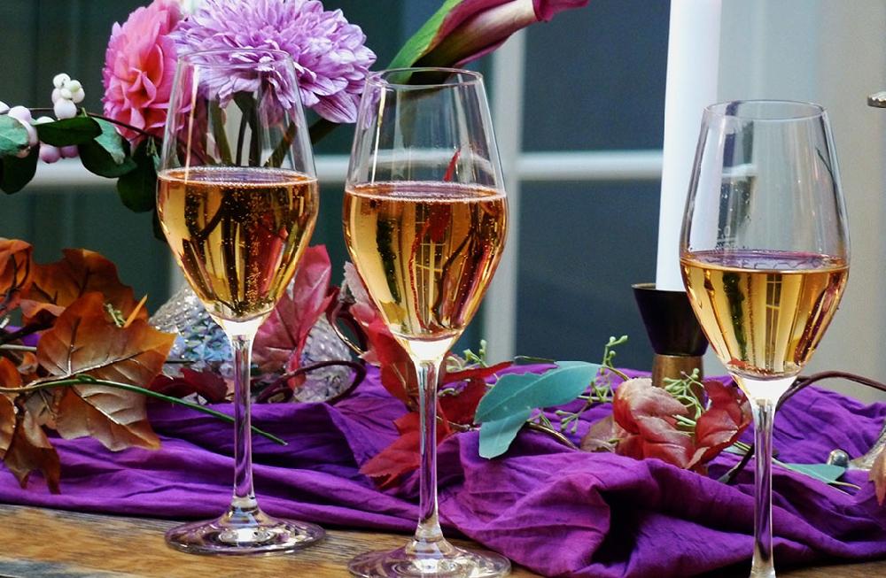 Цветочное вино из цветков черной бузины
