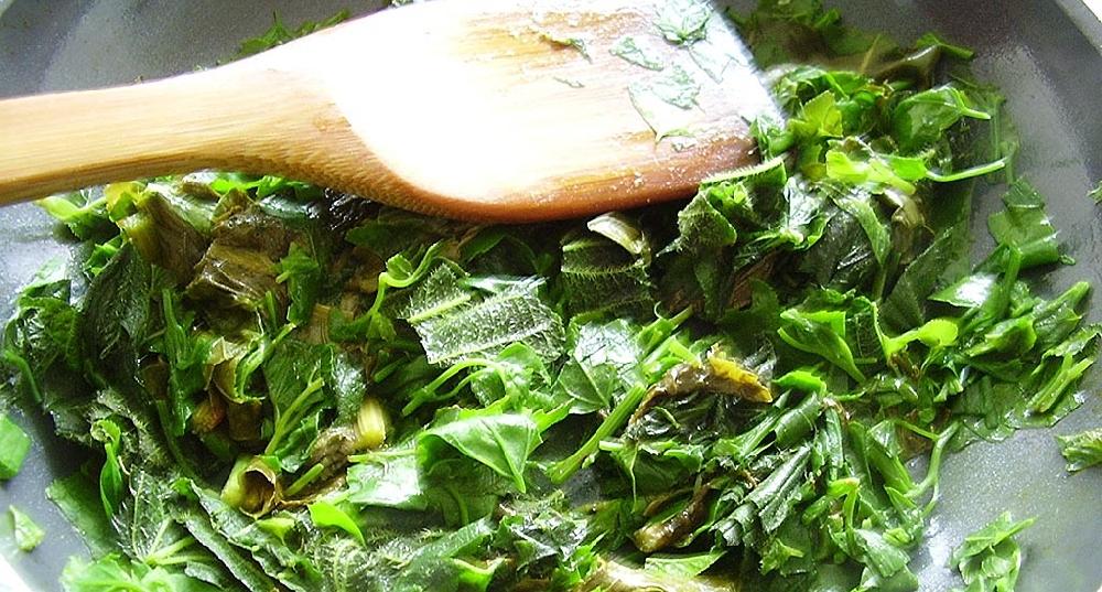 Мультивитаминные салаты с подорожником