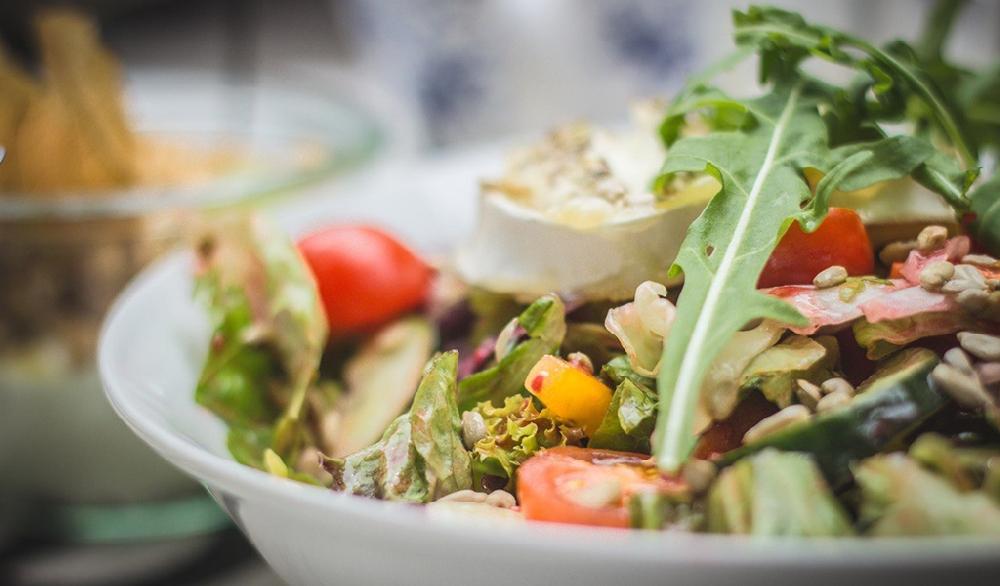 Салат из корней свербиги