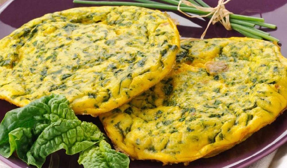 Сырный омлет с сурепкой
