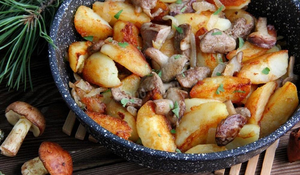 Маслята жареные с картошкой