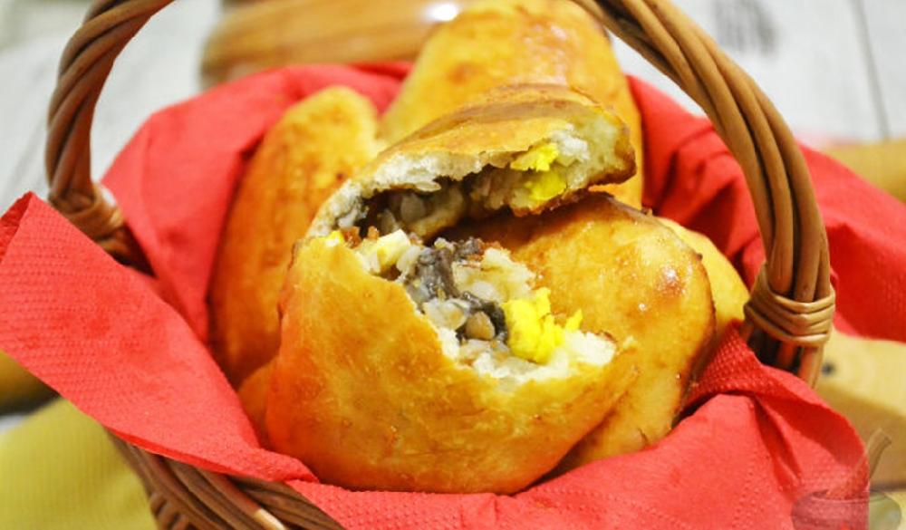 Пирожки с гречкой, грибами и яйцом