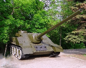 Самоходная артиллерийская установка СУ-100