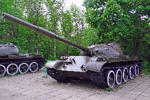 57.Средний танк Т-62