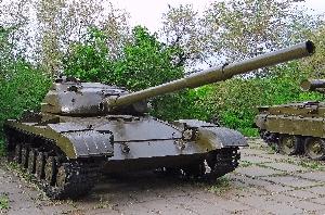 57.Средний танк Т-64
