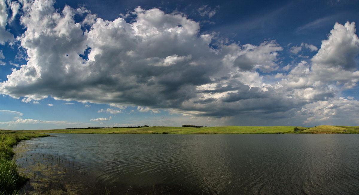 Озеро у бывшего Орленка
