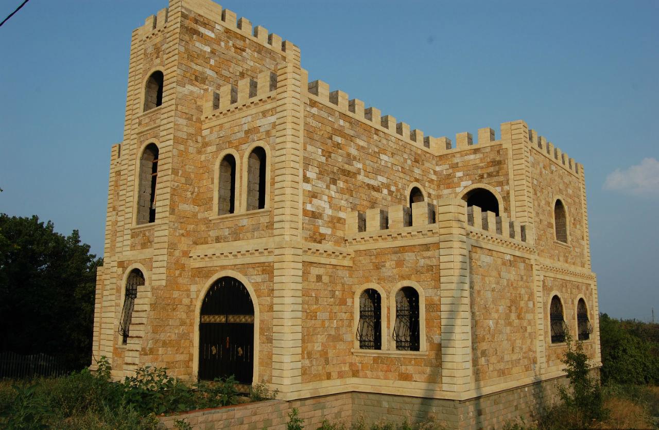 """Дагестанский двор """"Замок"""" в Национальной деревне"""