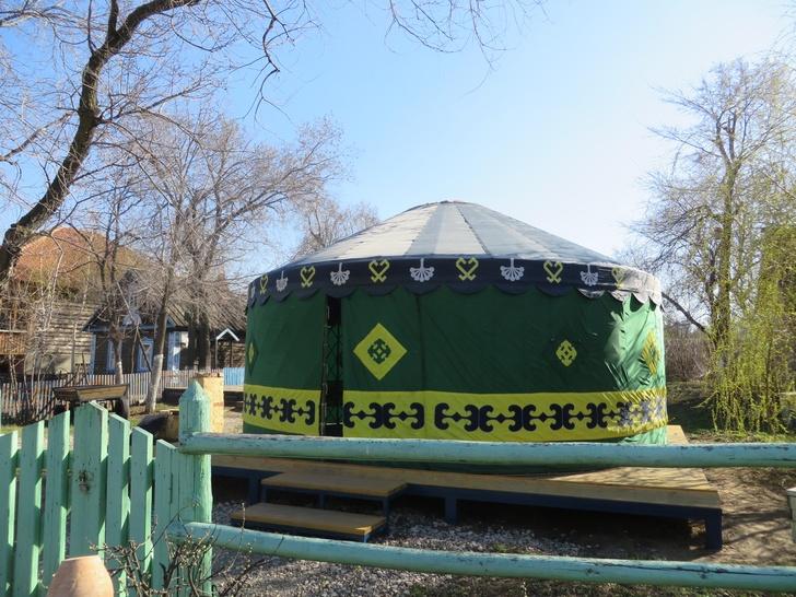 Башкирское подворье «Башкирская Юрта» в Национальной деревне