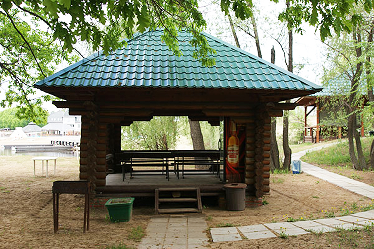 Аренда удобных беседок база отдыха «Дубровка»