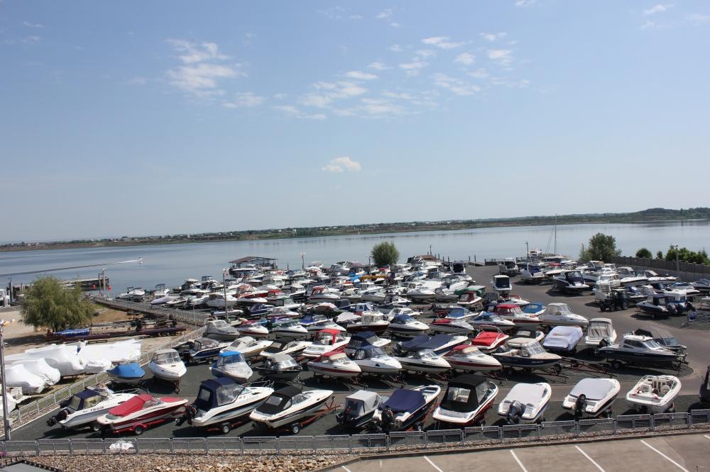 Яхт-клуб «Лодка Хаус»