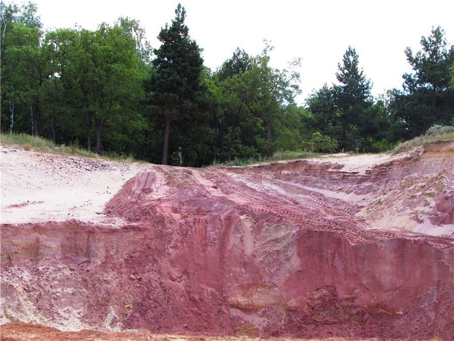 Алексеевский карьер цветного песка