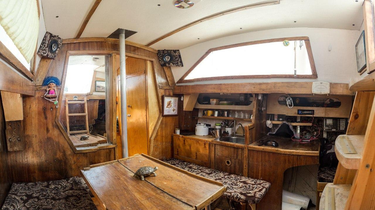 Парусная яхта Браво
