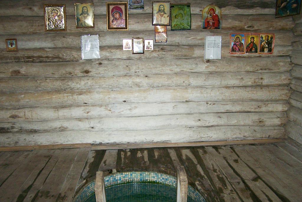 Часовня-купель во имя иконы Богородицы «Живоносный Источник»