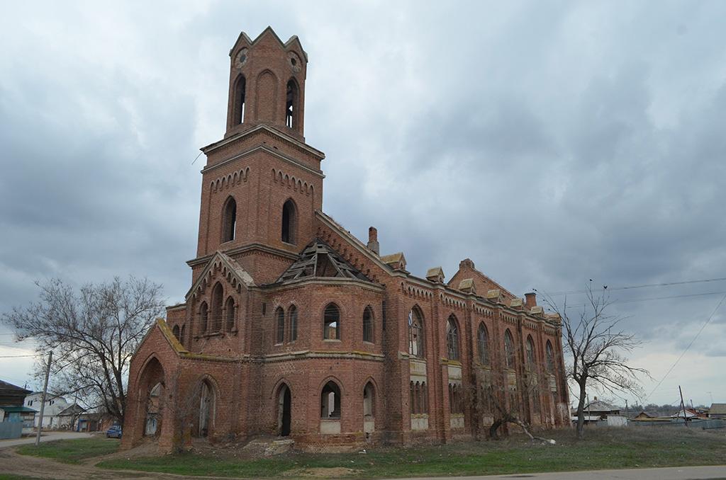 30 популярных и интересных заброшенных мест Саратовской области