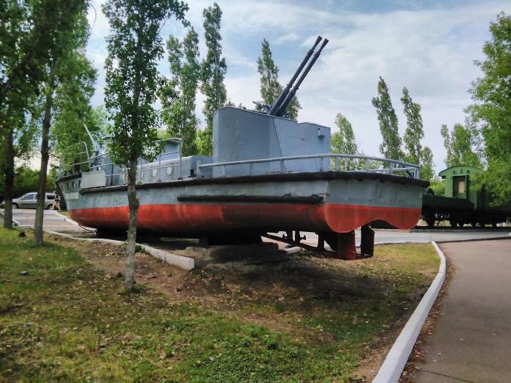Буксирно-десантный катер
