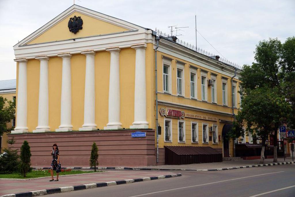 Архиерейское подворье: здание консистории