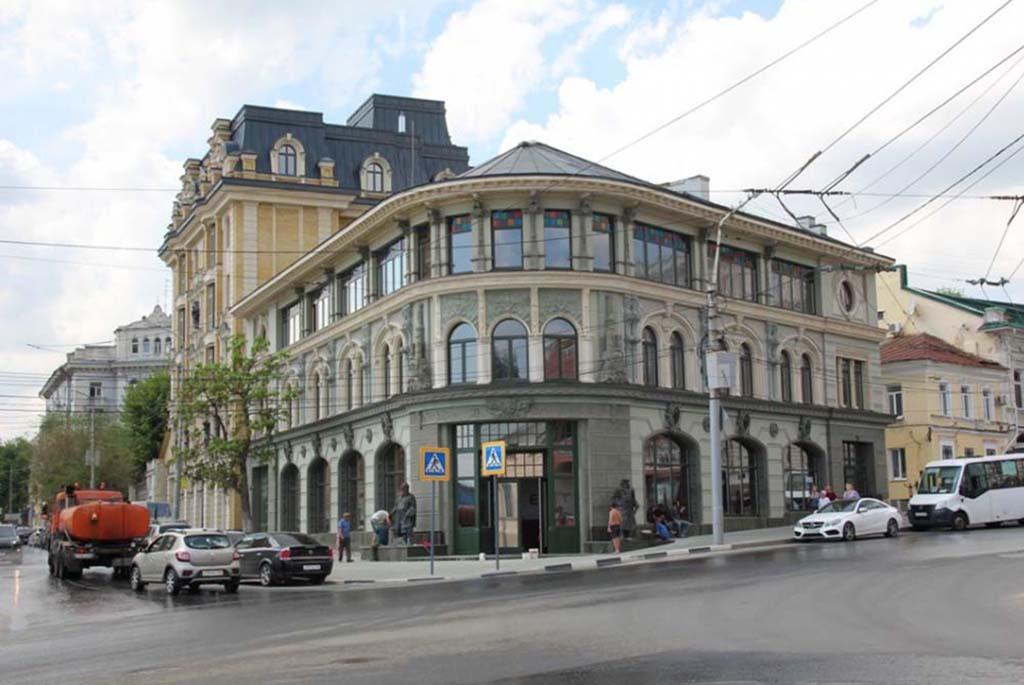 Памятник основателям города - Засекину и Турову