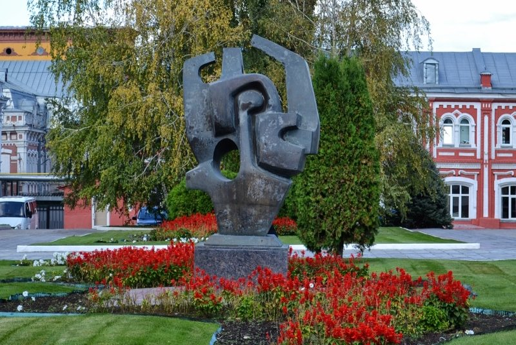 Скульптура «Сердце губернии»