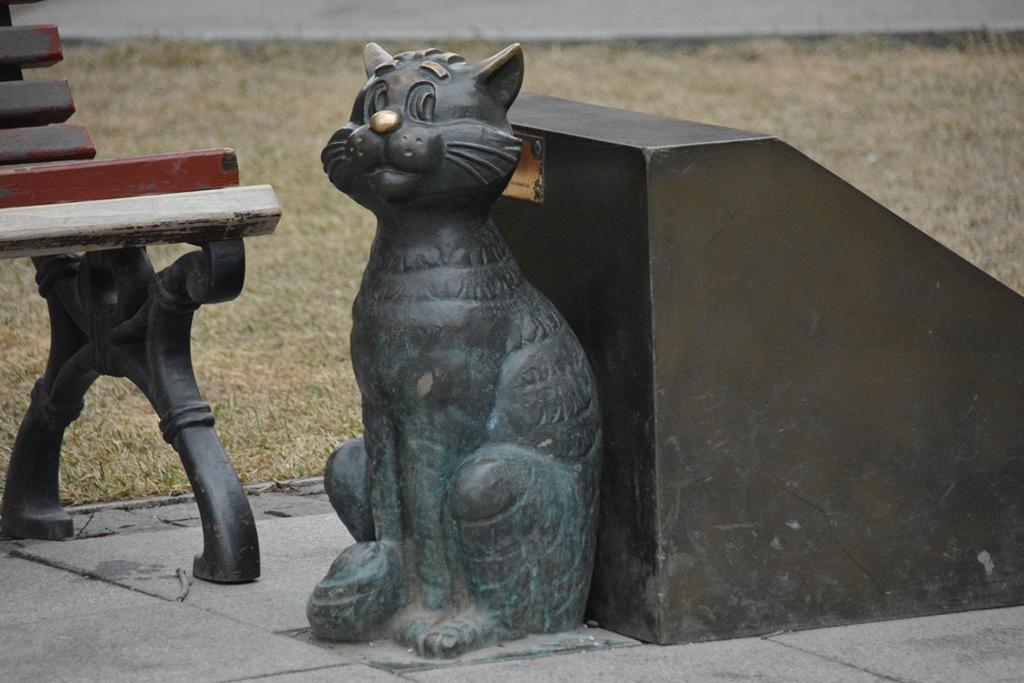 Фрагмент памятника Олегу Табакову