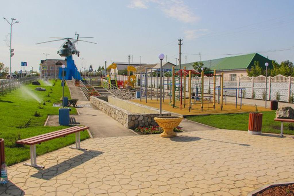 Памятник вертолет Ми-8Т