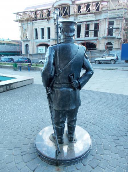 Памятник городовому