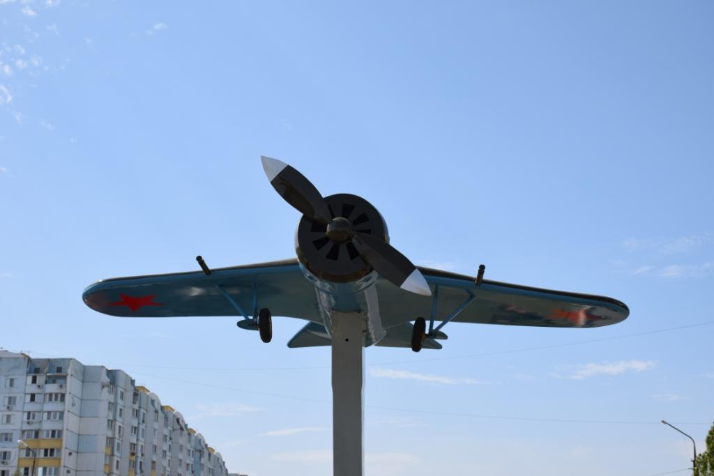 Модель самолета И-16