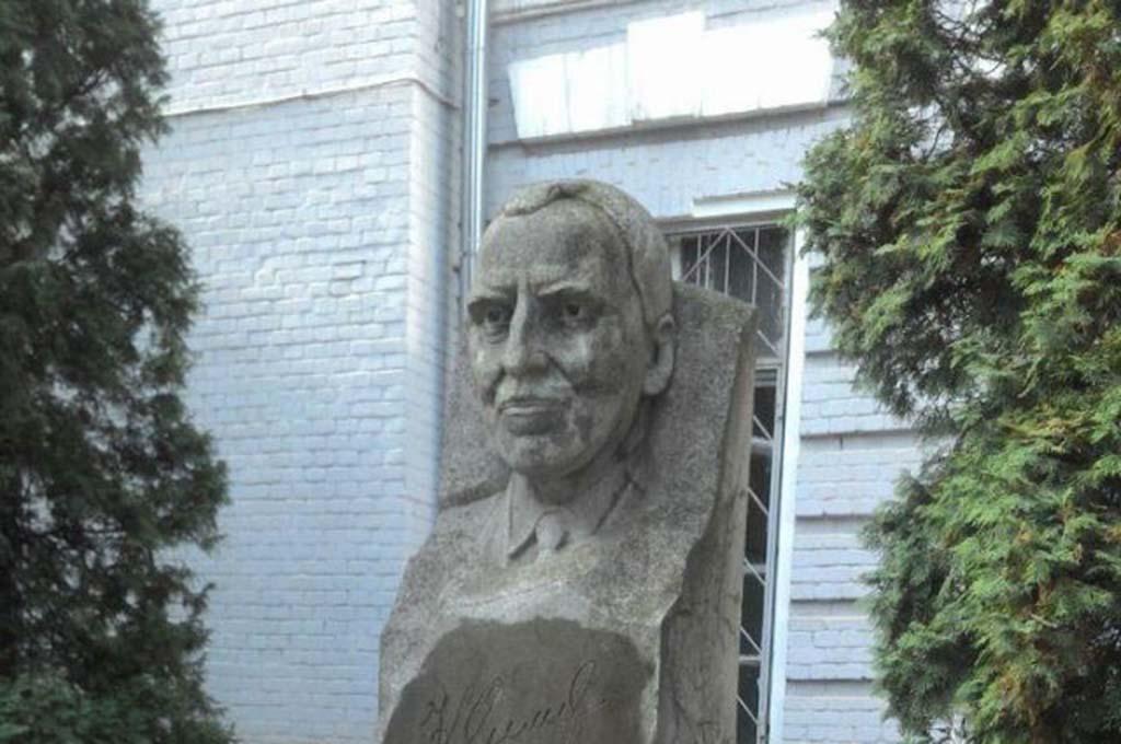 Дом, где жил писатель Константин Симонов