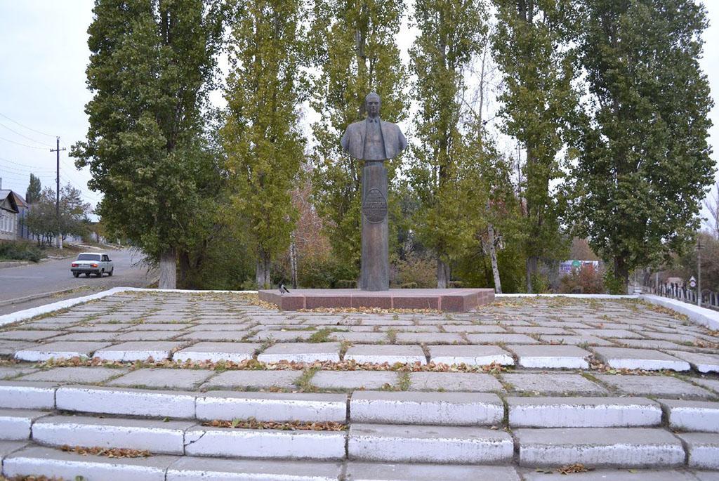 Памятник П. Д. Грушину