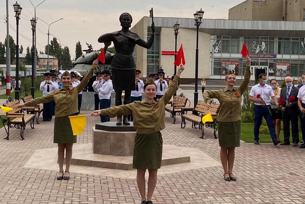 Памятник «Мадонна Победы»