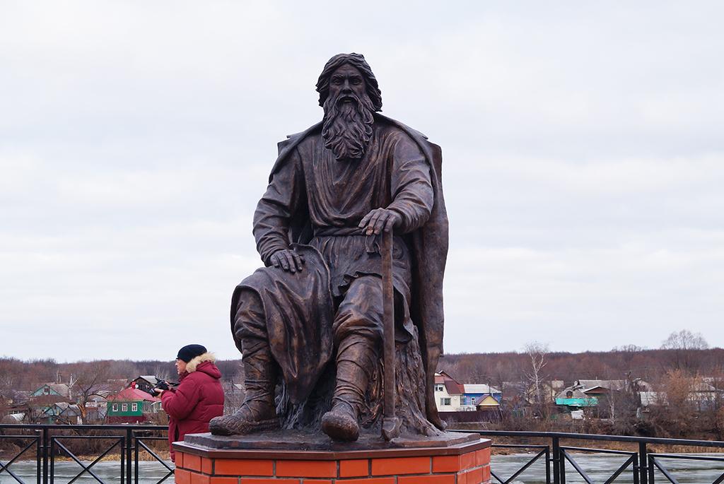 Памятник Григорию Болашову