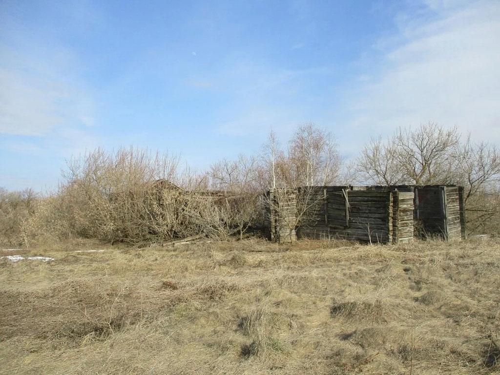 Руины храма в честь св. чудотворцев бессребренников Космы и Дамиана