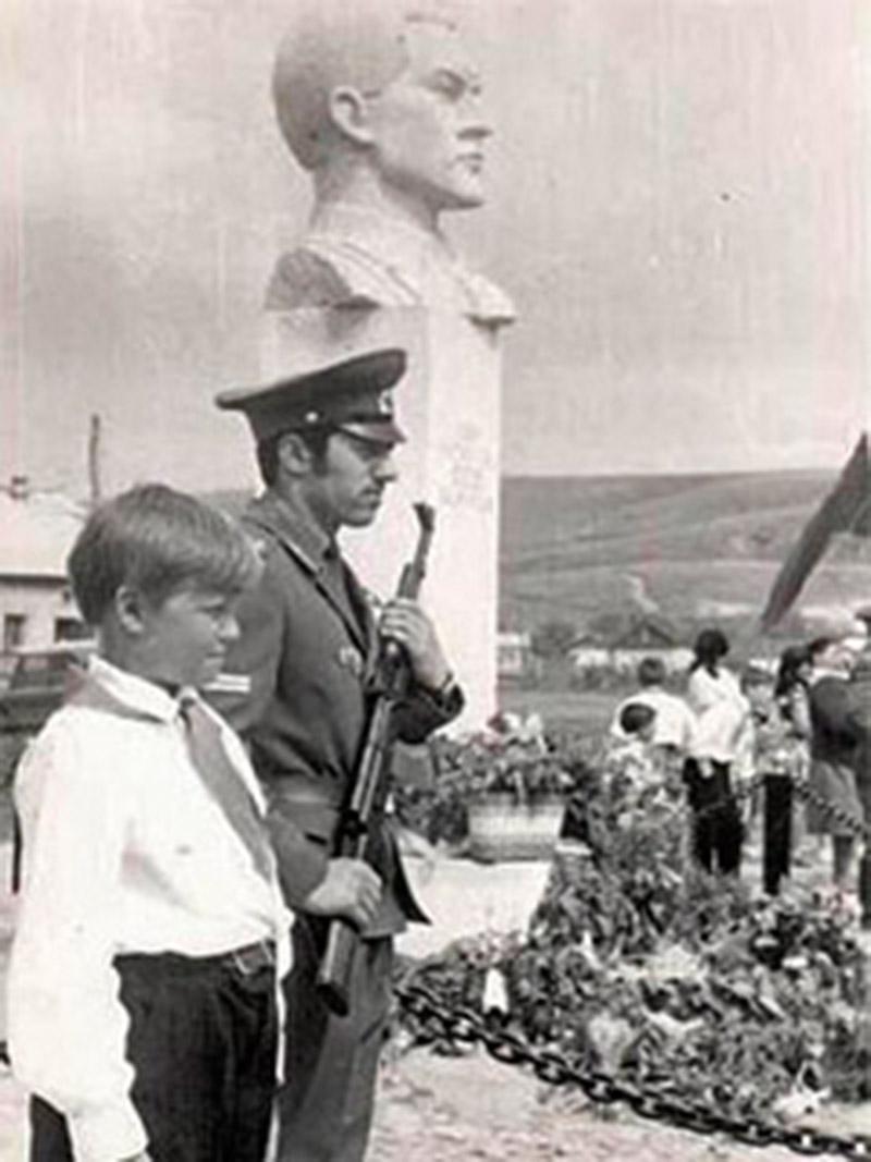 Бюст героя-танкиста Босова А.П.