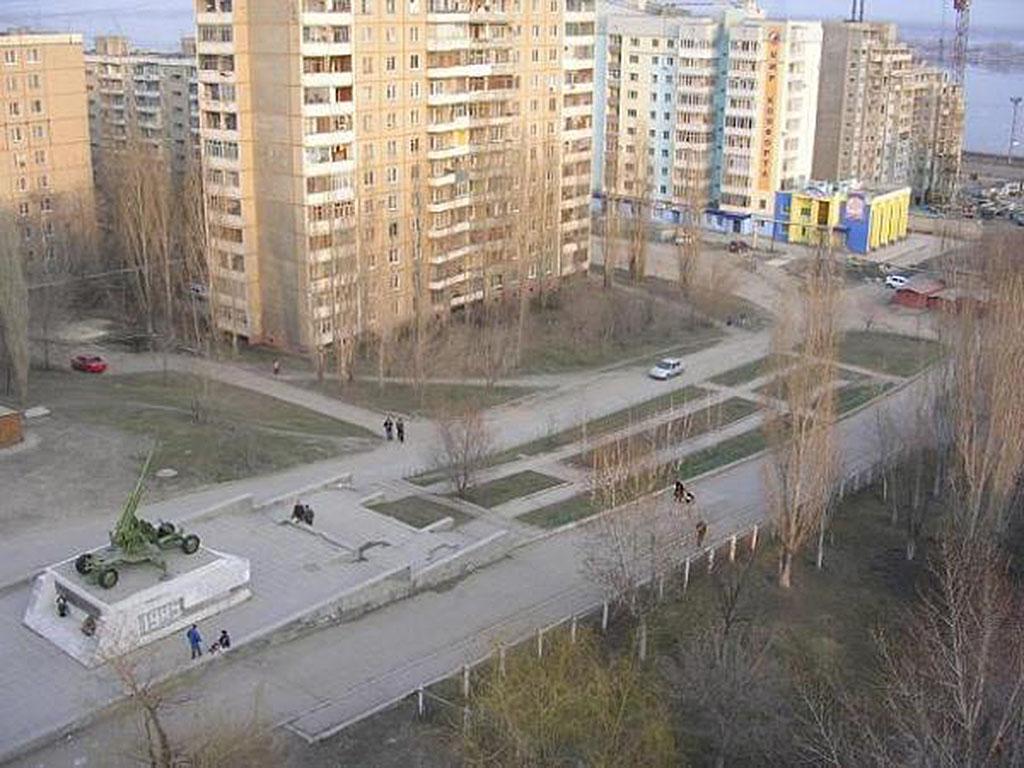 Памятник защитникам саратовского неба