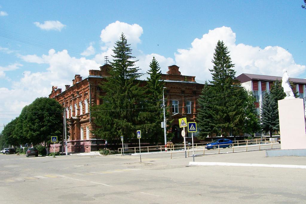 Здании бывшего реального мужского училища