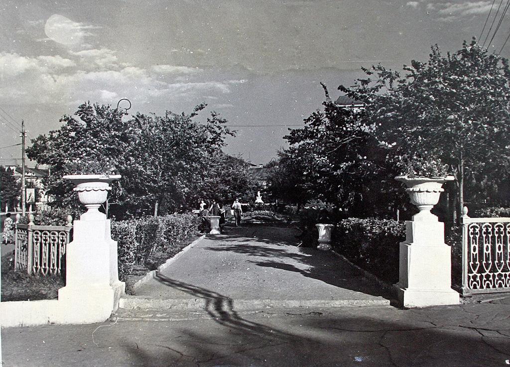Сквер Первой Учительницы